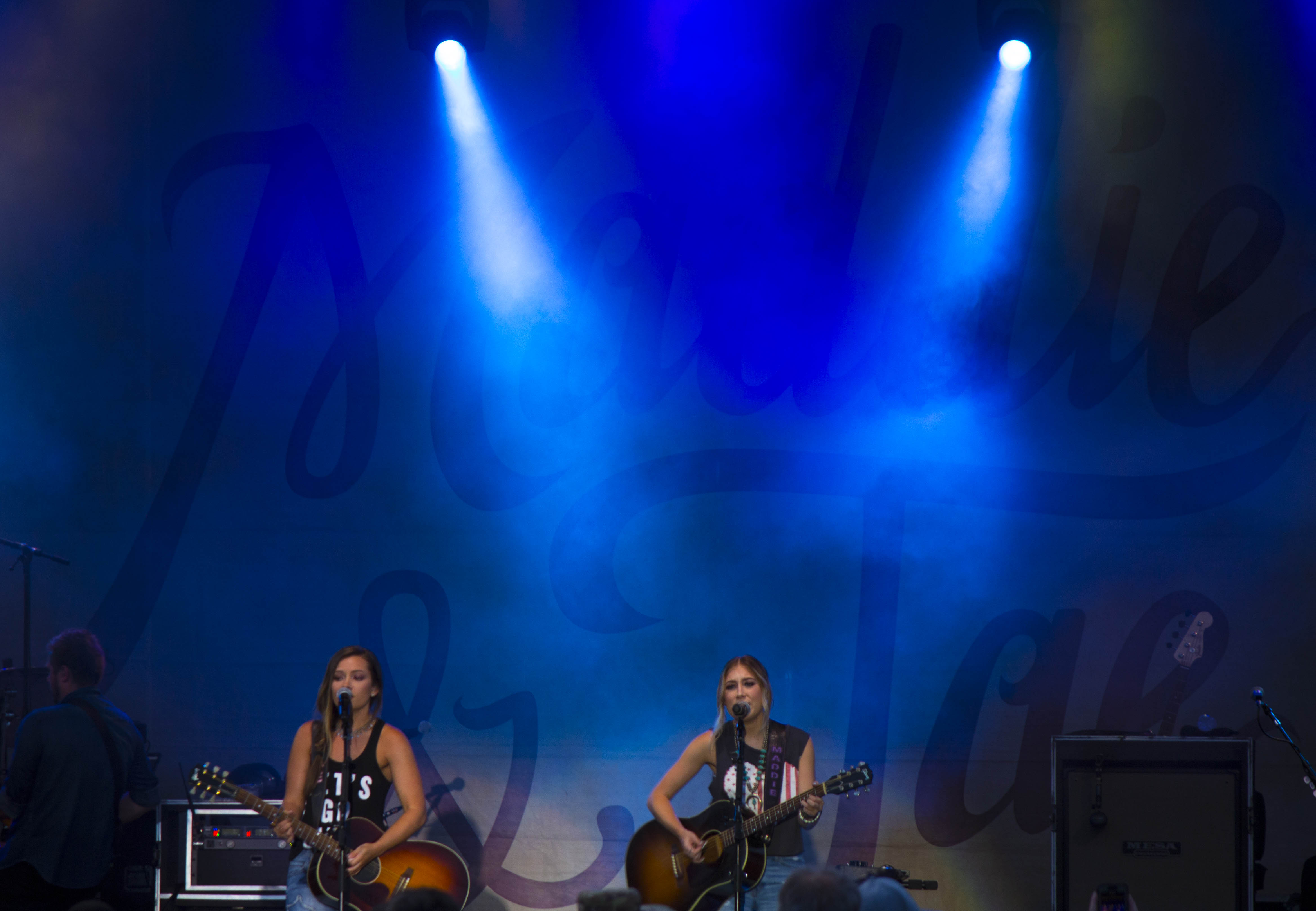Concert Lighting Company, Concert Sound Company Maddie and Tae Forth at the Fort